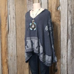 LIKE NEW! FREE PEOPLE PRINT LACE UP SLEEVE PONCHO!